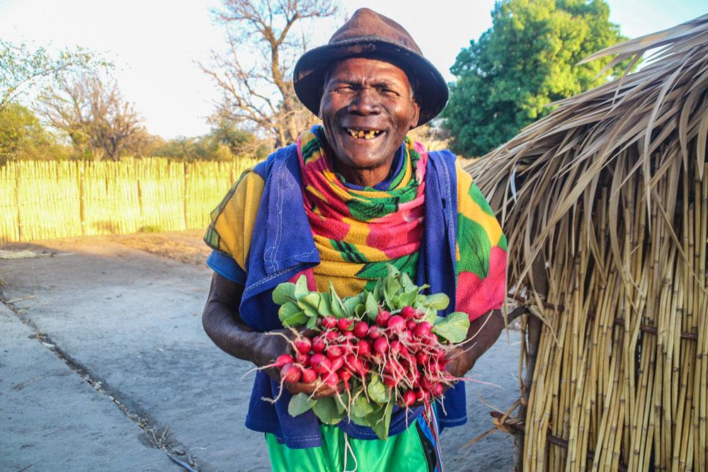 L'un des potagéiste du Makay ce réjoui de la récolte de radis